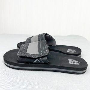 Reef black grey Ahi slide sandals size 2/3